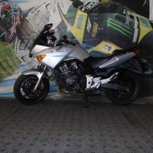 HONDA CBF 600cc – 2004 – ONLY 40432 MILES